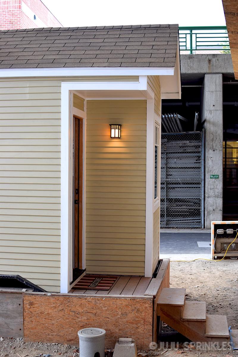 Juju Sprinkles Extreme KonMari Tiny House 5